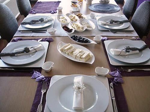 Yemek Masasi Dekorasyonu