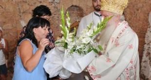 20140720_metropolite-kilisede-85-yas-gunu-surprizi