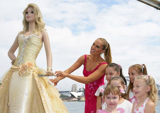 barbie_cake_cut.jpg